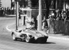 Glyer in Ferrari 250TR #0718 winning the main event on his hometown course, the Sacramento County Fairgrounds, on May 14, 1961