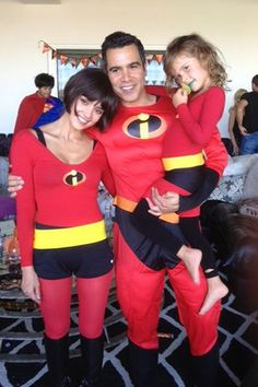 Jessica Alba and her family dress as The Incredibles.   - ELLE.com