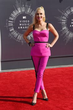 793d2edb351f4 Gwen Stefani Corset Top - Gwen Stefani Clothes Lookbook - StyleBistro Red  Carpet Dresses