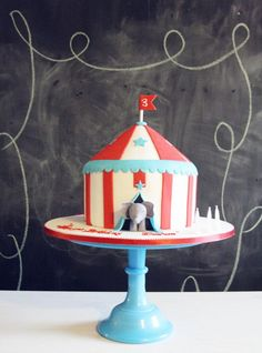 Kid's Circus Cake - Little elephant popping out to say hello! So sweet Carnival Cakes, Circus Cakes, Circus Carnival Party, Carnival Birthday Parties, First Birthday Parties, Circus Wedding, Carnival Costumes, Dumbo Birthday Party, Circus Birthday