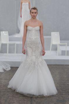 Monique Lhuillier Bridal Spring 2015. Monique Lhuillier wedding dress. Image by Dan Lecca. #runway