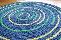 Love the pattern in this crochet rug