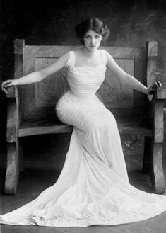 Miss Ethel Warwick (Vintage-Fotografie) - Stepping Back in Time - Fotoshooting Belle Epoque, Glamour Vintage, Vintage Beauty, Vintage Glamour Photography, Edwardian Fashion, Vintage Fashion, 1900s Fashion, Style Édouardien, Look Girl