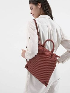 Shop the official CHARLES & KEITH website for the latest in women's and kids' fashion, including bags, shoes and accessories. Accessories Online, Bag Accessories, Charles Keith, Women's Shoes, Kids Fashion, Classy, Shop, Bags, Handbags