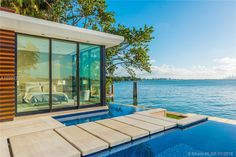 Magnificent Modern Miami Mansion With Ocean Panorama Infinity Pools, Pool Bridge, Bel Air Mansion, Modern Miami, Futuristisches Design, Design Ideas, Miami Houses, Villa, Dream Home Design