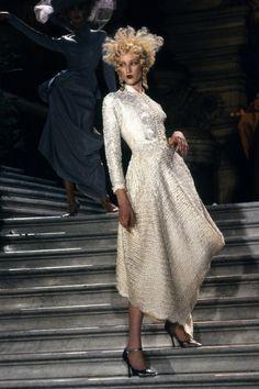 Christian Dior Spring 1998 Couture Fashion Show - Jade Parfitt