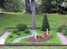 Simple S dfriedhof D sseldorf Mustergrab Doppelgrab