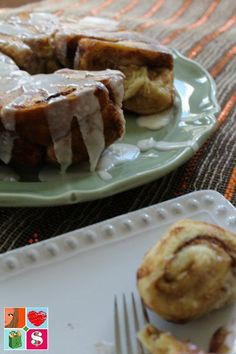 Monkey Bread Recipe from Having Fun Saving and Cooking.  There is something about a warm and yummy breakfast that just screams family memories!  And the Cream Cheese Cinnamon Roll Monkey Bread Recipe I have for you guys today is just that.