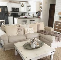 DIY Lovely Apartment Decorating Ideas on A Budget - Apartment Decoration Apartment Decoration, First Apartment Decorating, Decorating On A Budget, Apartment Ideas, Cheap Apartment, Decorating Kitchen, Room Decorations, Interior Decorating, Shabby Chic Bedrooms
