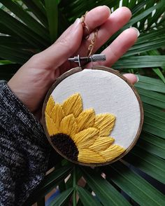 Excited to share the latest addition to my shop: Sunflower Hand Embroidery PDF Pattern Embroidery … Hand Embroidery Patterns Free, Embroidery Stitches Tutorial, Embroidery Flowers Pattern, Hand Embroidery Videos, Learn Embroidery, Hand Embroidery Stitches, Beginner Embroidery, Embroidery Ideas, Hand Embroidery Flower Designs