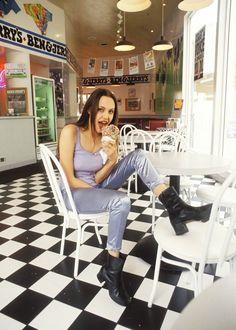 90s Angelina