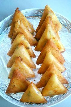 Croissants, Feta, Cake Factory, Tapenade, Naan, Finger Foods, Entrees, Buffet, Brunch