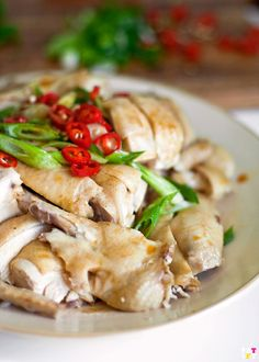 Ipoh Bean Sprout Chicken (芽菜鸡): This is a very simple dish to prepare, all you need is patience. The chicken is cooked using the same technique as Hainan Chicken.