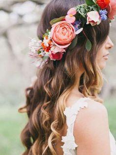 Coronas de flores para damas de honor: Los mejores modelos [FOTOS] - Maxi Corona de flores de colores