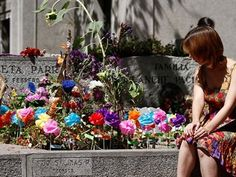 Tumba de Violeta Parra. Cementerio General Santiago de Chile