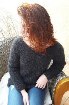 A Pull tricoté main,pull laine alpaga et mohair, pull moelleux et doux,pull femme Pullover, Sweaters, Fashion, Woman, Moda, Fashion Styles, Sweater, Fashion Illustrations, Sweatshirts