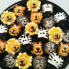 More jungle animal cupcakes