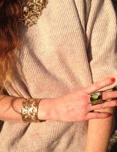#bijoux #necklace #seaside #girl #fashionblog #fashionblogger #style #jewelry #rings #stones #cuffs #earrings #gold #inspiration #oots  #outfit  #collana #mare #fondali #ramage #gioielli #gioielleria #moda  dorata ispirata ai Fondali stelle marini, conchiglie ,bracciale ramage, maxi anello  orecchini pietre Flo' New Age, bijoux ispirati ...