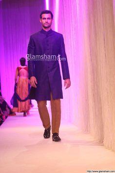 Models walk the ramp at Lakme Fashion Week 2013 for Manish Malhotra - photo 22 : glamsham.com