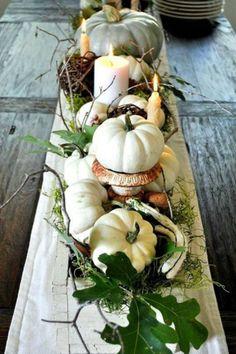 Thanksgiving Tablescapes (17 Pics)