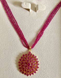 Ruby beads and pendant. Ruby Necklace Designs, Beaded Jewelry Designs, Gold Jewellery Design, Bead Jewellery, Jewelry Patterns, Saree Jewellery, Jewelry Necklaces, Fancy Jewellery, Diamond Necklaces