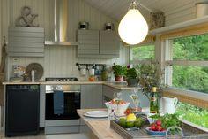 Ålhytte Interiør | Ålhytta Decor, Kitchen Island, Cabin, House, Modern Beach House, Modern, Home Decor, Kitchen
