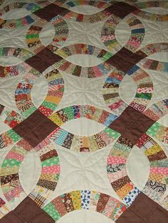 love this vintage quilt