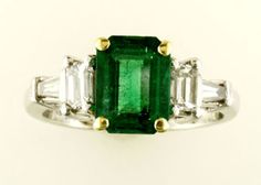 2 Carat Emerald with diamond in platinum