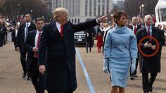 ¿Llevaba un guardaespaldas de Donald Trump unos brazos falsos? - https://infouno.cl/llevaba-un-guardaespaldas-de-donald-trump-unos-brazos-falsos/