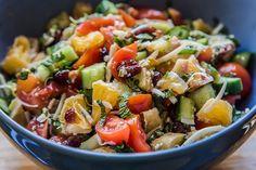 Mentás nyári vegyes saláta Fruit Salad, Cobb Salad, Mozzarella, Food And Drink, Cukor, Mint, Fruit Salads