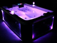 Whirlpools Jacuzzi SPA Hot Tub Outdoor / Indoor = Awesomeness!!! ^_^