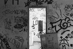 #photografia #photo #photograph #saopaulowalk #saopaulo #saopaulocity #sp #splovers #brazil #illgrammers #explore #canon #teamcanon #vscocam #vscolover  #mybeautifulsp #sp4you #igers #igerssaopaulo #igersbrasil #streetsp #street #streetphotography #011 #streetart #pixacao #pixacaosp by rnssp_