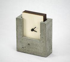 Orologio da scrivania di Microstudio su Etsy