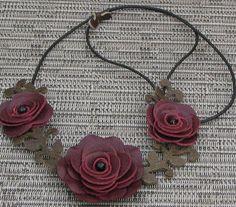 Fiore collana cuoio collana girocollo Bordeaux di Leatherblossoms