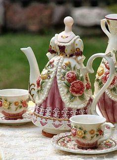 Cute Dress Teapot // ♡pinterest :ashshila
