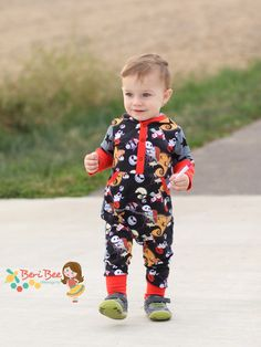 The Oz Romper  is a harem style romper with options that include fully lined hood, faux placket, kangaroo pocket, thumb holes in the long cuffs and inseam snaps for easy diaper changes. With a size range from newborn to 7/8, any baby or young child will be comfortable in this all knit romper.