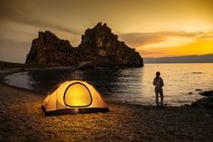 Having the right tent can make or break your camping trip. Here is everything you need to know when buying your next tent. Best Tents For Camping, Beach Camping, Family Camping, Tent Camping, Camping Hacks, Camping Gear, Backpacking, Camping Equipment Rental, Travel Alone