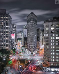 Flatiron Building by Paul Seibert @pseibertphoto by newyorkcityfeelings.com - The Best Photos and Videos of New York City including the Statue of Liberty Brooklyn Bridge Central Park Empire State Building Chrysler Building and other popular New York places and attractions.