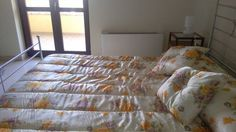 Il Bed & Breakfast Villa Magnolia si trova a Trappitello, frazione di Taormina. A 40 minuti dall'Aeroporto di Catania. A 5 minuti dalle spiagge di Giardini Naxos. A 15 minuti da Taormina.L'Etna in 45 minuti, .A 100 metri dal B & B c'è la fermata degli autobus per tutte le destinazioni. A piedi si può andare in farmacia, in edicola o al supermercato. Il mare è raggiungibile in autobus, in bici o in auto.