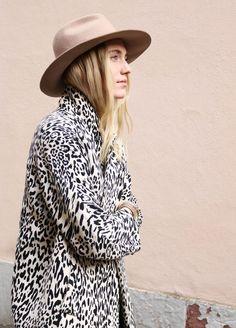 25 Fierce Ways to Wear a Leopard Coat   25 jolies manières de porter une veste léopard