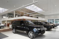 Show-room Jaguar www.fcmarchitects.be - Lighting products: iGuzzini illuminazione #iN30 #carshowroom #iGuzzini