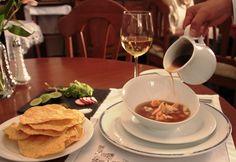 POZOLE DE CAMARÓN, hecho con caldo madre de camarón (caldo hervido durante 168 hrs). GASTRONOMIA MEXICANA