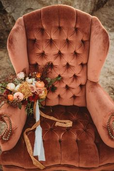 Copper & Gold Montana Boho Wedding Inspiration – Kyrsten Ashlay Photography 38 Photographed by Kyrsten Ashlay Photography this Autumnal bohemian wedding scene is giving us all the warm, fuzzy Fall feels. Wedding Scene, Fall Wedding Flowers, Wedding Ceremony Decorations, Wedding Centerpieces, Floral Wedding, Wedding Colors, Wedding Day, Lace Wedding, Wedding Quotes