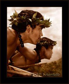 """Na Koa Kia'i    """"Warrior Guards...""""  Male Kahiko Hula dancers from Halau O Kahikilaulani, keeping watch...  Hula Kahiko performance at Wai'ohinu, Hawai'i Polynesian Dance, Polynesian Islands, Polynesian Culture, Hawaiian Islands, Hawaiian People, Hawaiian Men, Waimea Bay, Hula Dancers, Aloha Hawaii"""