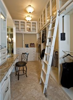 Um, yes please!!!!    Luxurious Master Closets