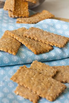 Breakfast Finger Foods, Breakfast Recipes, Dessert Recipes, Desserts, My Recipes, Vegan Recipes, Cooking Recipes, Kiflice Recipe, Healthy Crackers