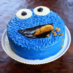 An easy and incredibly fun Cookie Monster birthday cake!