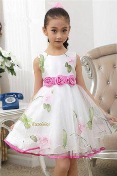 Mod@ en Line@ Little Dresses, Little Girl Dresses, Cute Dresses, Girls Dresses, Flower Girl Dresses, Fashion Kids, Little Girl Fashion, Toddler Dress, Baby Dress
