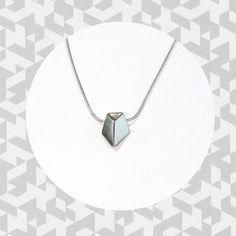 Tiistai-korusarjan hopeinengeometrinenriipus.Hopeaa kiiltävä- tai mattapintaisena. Arrow Necklace, Silver, Jewelry, Jewlery, Jewerly, Schmuck, Jewels, Jewelery, Fine Jewelry