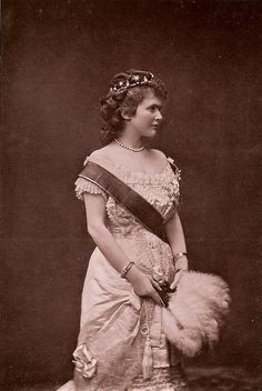Queen Consort Elisabeth of Wied (Carmen Sylva), esposa do King Carol I of Romania. Queen Mary, King Queen, Adele, Romanian Royal Family, Elisabeth I, Belle Epoch, Royal King, Important People, Kaiser